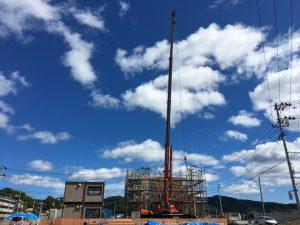 9月下旬の様子 青空の下で進む工事